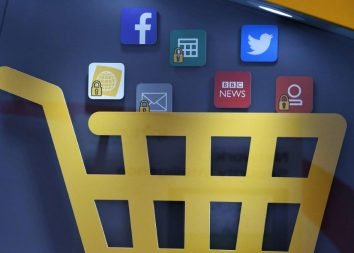 Stationäre Filialen ergänzen den Online-Handel